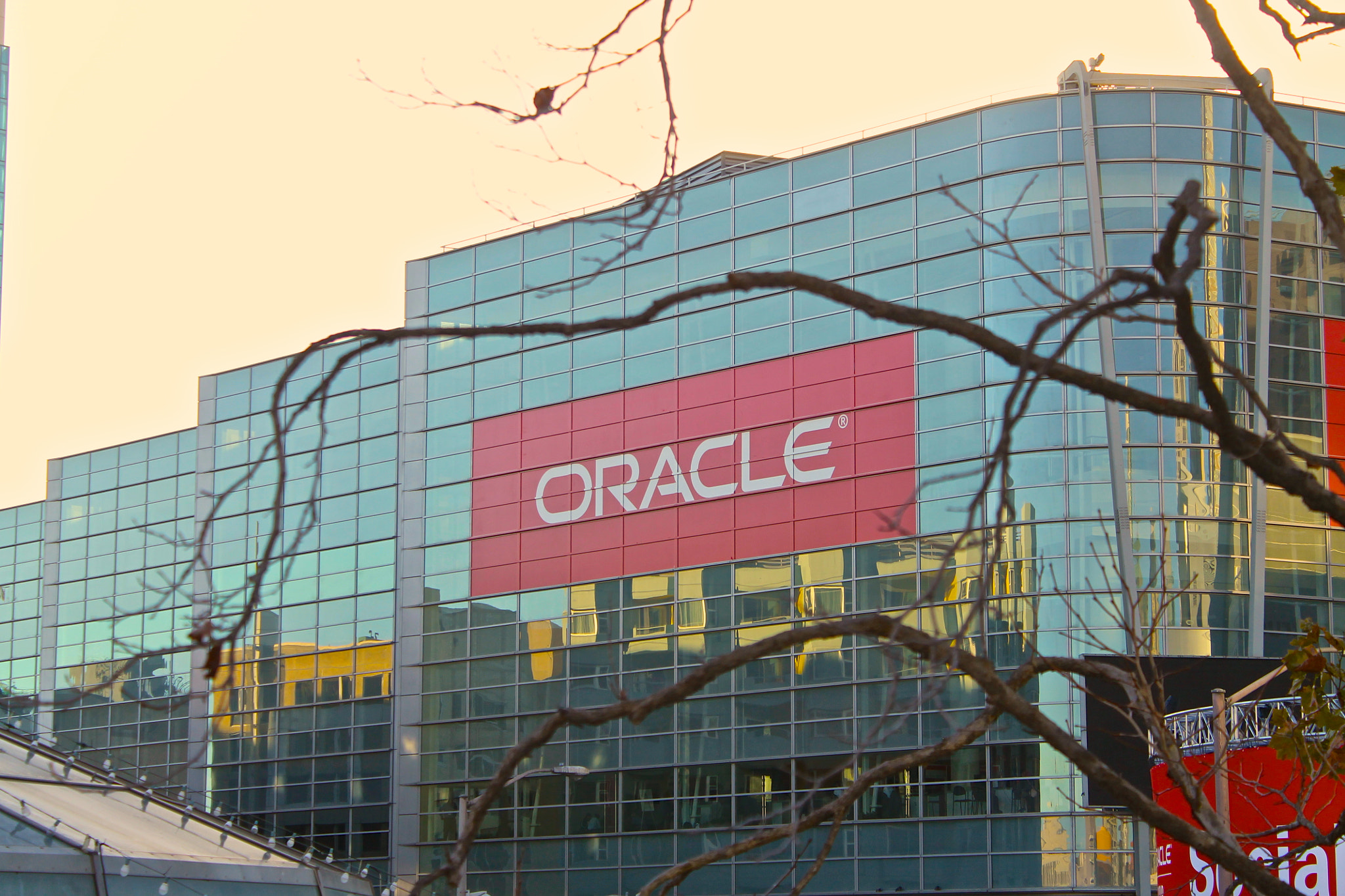 Join G2 at Oracle OpenWorld to Help Raise Money for Girls Who Code Thumbnail